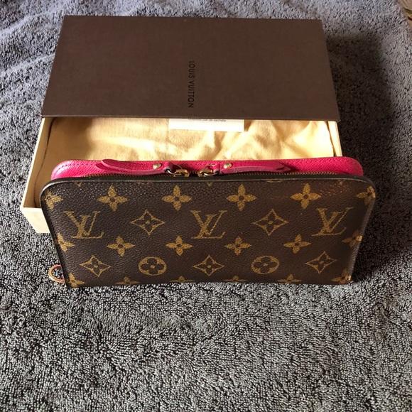75010eb5cc36 Louis Vuitton Handbags - Louis vuitton wallet